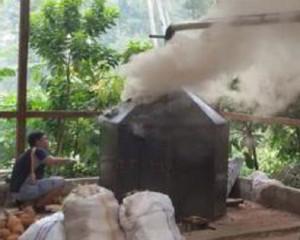Pembuatan arang tempurung kelapa